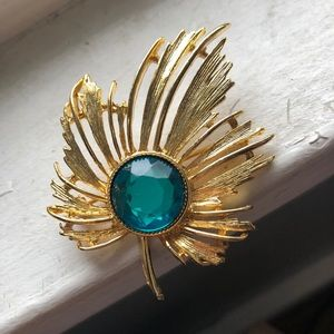 Vintage Gold and Emerald Brooch